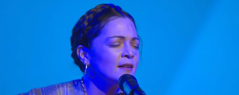 Natalia Lafourcade sings Remember Me live the 1st time